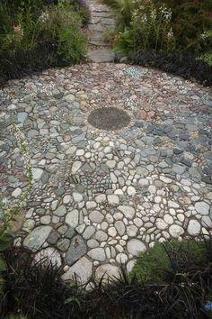 Verleihen Sie Ihrem Garten das gewisse Extra! 10 wunderschöne Steinpfade, die die Schau stehlen werden! - DIY Bastelideen
