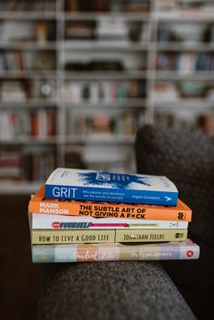 Books to help you build your happy coaching or creative business as a women entrepreneur