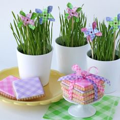How to decorate gingham cookies using Color Mist™ Spray, from Glorious Treats.