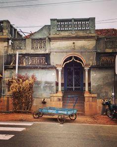 #tamilnadutourism #chettinad #traditional #india Namaste, Chettinad House, Indian Interiors, Amazing India, Indian Homes, Village Houses, Global Design, Office Wall Art, Future Travel