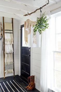 Use a ladder behind doors to store blankets, towels, scarves etc | Stick-What-Necessary