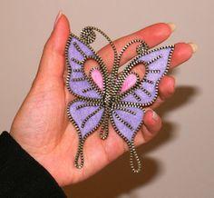 Purple Butterfly designer handmade zipper and felt brooch with a safety pin. Zipper Jewelry, Fabric Jewelry, Beaded Jewelry, Zipper Flowers, Fabric Flowers, Diy Zipper Crafts, Brooches Handmade, Handmade Jewelry, Jewelry Crafts