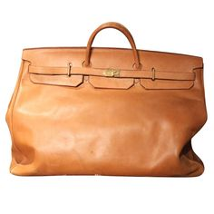 View this item and discover similar for sale at - Amazing vintage Hermes HAC Travel. The Bags a very had to find and this is a wonderful example. Fashion Handbags, Fashion Bags, Big Bags, Men's Bags, Hermes Birkin, Luggage Bags, Travel Bags, Purses And Bags, Shoe Bag