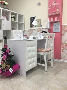 STILL loving these moments spent looking through all the Nail Room Decor ideas There are so many styles &. Home Nail Salon, Nail Salon Design, Nail Salon Decor, Beauty Salon Decor, Salon Interior Design, Nail Parlour, Tech Room, Nyc Nails, Nail Room