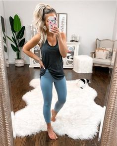 Shop Your Screenshots™ with LIKEtoKNOW.it, a shopping discovery app that allows you to instantly shop your favorite influencer pics across social media and the mobile web. Casual College Outfits, Cute Lazy Outfits, Mom Outfits, Spring Outfits, Fashion Outfits, Boho Fashion Summer, Country Outfits, New Wardrobe, Workout Gear