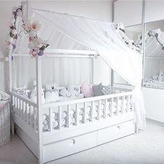 Бортики в кроватку. Декоративные подушки. Baby. Подушка облачко, звезда, заяц, сердце, луна, мишка, кот. Коса. Плед. Кроватка домик
