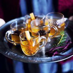 Omenaglögi Mulled Wine, Moscow Mule Mugs, Drinks, Tableware, Food, Drinking, Beverages, Dinnerware, Tablewares