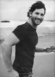 Eric Bana- i could NOT stop thinking about this guy today. yes i think about celebrities instead of people i know. Eric Bana, Handsome Men Quotes, Handsome Arab Men, Gorgeous Men, Beautiful People, Men Quotes Funny, Celebrity Gallery, Raining Men, Good Looking Men
