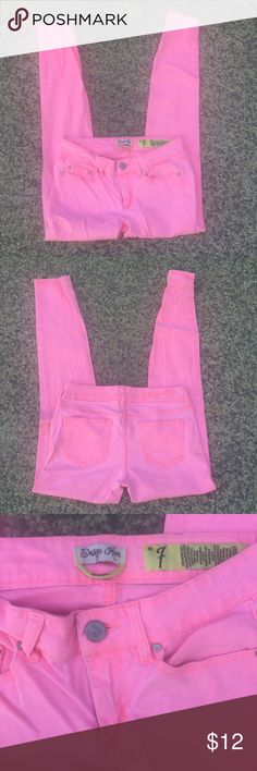 Sexy neon pink skinny jeans 7 Sexy sun washed neon pink skinny jeans- these jeans are 2% spandex so they stretch and give you a figure flattering fit as they hug your every curve. Indigo Rein size 7. Jeans Skinny
