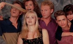 Photo of Beverly Hills 90210 for fans of Beverly Hills 90210 2634256 Jennie Garth, Beverly Hills 90210, Beverly Hils, The Originals Tv Show, Shannen Doherty, Luke Perry, Fox Tv, Tv Couples, Music Tv