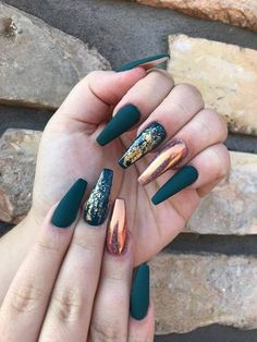 Champagne matte nails with gold foil - Nägel kunst - Uñas Gorgeous Nails, Pretty Nails, Fun Nails, Prom Nails, Amazing Nails, Homecoming Nails, Best Acrylic Nails, Matte Nails, Gradient Nails