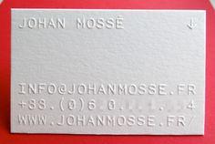 Impression carte de visite 9 x 5 cm, gaufrage R° sur papier duplex 2X300g blanc et noir.