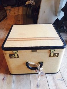 Leather Antique Cream Trunk Suitcase With All Original Details Numerous In Variety