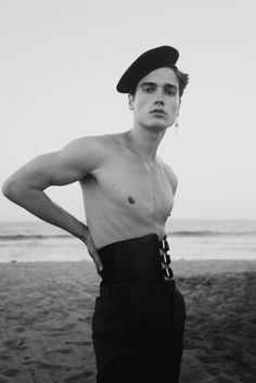 Photographer Karina Ordell captures Keenan Kelley with Margaux Models LA in an exclusive editorial for RAIN. Androgynous Men, Androgyny, Queer Fashion, Mens Fashion, Moda Hippie, Human Poses Reference, Provocateur, Mode Editorials, Mode Inspiration