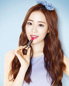 "karadises: ""[HQ] youngji for 'LAVIDA' cosmetics credits: 소행성 @ karawa "" Kara Youngji, Heo Young Ji, Like A Shooting Star, Goo Hara, Sistar, Girls Generation, Kpop Girls, Girl Power, Movie Stars"