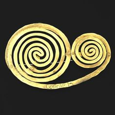 Brooch. Double Spiral |  Alexander Calder.  ca 1945