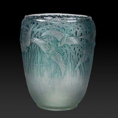 Lalique Aigrettes  - A beautiful and very rare early 20th Century frosted and burnished glass vase decorated with exotic birds in flight against a backdrop of entwined plants