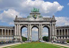 Brussels (Belgium): Triumphal Arch of the Cinquantenaire.
