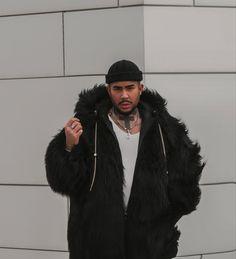 #enricodatu #enrico #datu #datuenrico Trainer, Videos, Fur Coat, Jackets, Fashion, Movie, 30 Years Old, Down Jackets, Moda