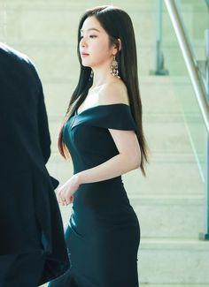 Red velvet Irene ❤ my queen 👑 Red Velvet アイリーン, Red Velvet Dress, Seulgi, Korean Outfits, Beautiful Asian Girls, Irene, Girl Crushes, Asian Woman, Kpop Girls
