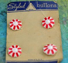 RARE Antique Card 4 Red/White Christmas Buttons (#319B)