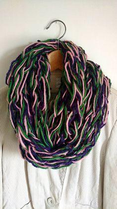 Chunky knit cowl in wool arm knitting infinity di Hookloopsarah