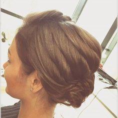 Top 100 hairstyles for round faces photos Uwielbiamy takie fryzury,które powstają tak po prostu raz,dwa,trzy i gotowe.Takie wychodzą spod ręki Kamy☺#hairdays #hair #hairstyle #hairdress #hairdressing#hairdresser #hairdressers #hairdresserlife #weeding #weedinghair #weddingstyle #weedinghairstyle #weddinginspiration #weddingstyle #instahairdresser #instahair #eveninghair #eveninghairstyle...