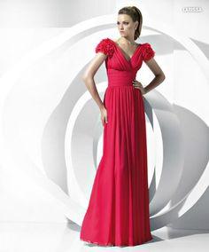 Os vermelhos e cerejas são uma cor linda pra vestido de festa. Os sem bordados são os meus preferidos.