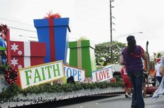 Church Christmas Floats   ... in the Slow Lane: Wai'anae Christmas Parade and Menehune Surf Match