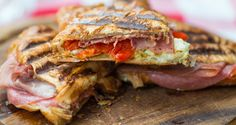 Prosciutto, Croissant, Mozzarella, Pesto, Om, Food Ideas, Sandwiches, Lunch, Eat Lunch
