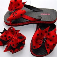 Flip flops with matching bow. Looks fairly easy to do and I have the supplies, so I guess I can try it out