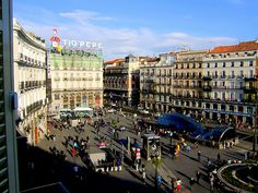 the central plaza of Madrid streets radiate from it in all directions.