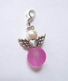 Perlen-Engel-Anhänger  mit Herz pink-weiß-silber von soschoen auf DaWanda.com