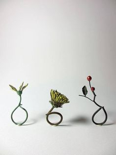 (I like how delicate and real these look, like pieces of plants turned into jewellery) SHOTA SUZUKI-JP Metal work jewellery Jewelry Shop, Jewelry Stores, Jewelry Art, Jewelry Rings, Jewelry Accessories, Fashion Jewelry, Jewellery Box, Tiffany Jewellery, Jewellery 2017