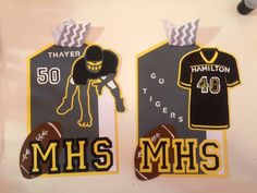 Football locker decorations made with a Cricut machine and lots of layering! I put magnets on the back for easy display! Locker Tags, Diy Locker, Locker Magnets, Football Locker Signs, Soccer Locker, Volleyball Locker Decorations, School Locker Decorations, Football Crafts, Football Decor