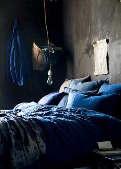New Bedroom Vintage Blue Inspiration Ideas Bedroom Color Schemes, Bedroom Colors, Bedroom Decor, Bedroom Ideas, Navy Blue Bedrooms, Blue Rooms, Indigo Bedroom, Blue Home Decor, Dark Interiors