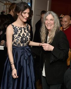 Jesse Paris Smith and Patti Smith pose backstage during the Tibet House US 30th Anniversary Benefit Concert Patti Smith Robert Mapplethorpe, Today In Pictures, Bruce Springsteen, Prom Dresses, Formal Dresses, 30th Anniversary, Her Music, American Singers, Bob Marley