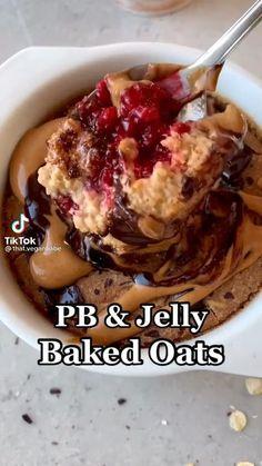 Fun Baking Recipes, Whole Food Recipes, Snack Recipes, Cooking Recipes, Healthy Sweets, Healthy Baking, Healthy Food, Baked Oats, Baked Oatmeal