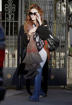 Mary Kate Olsen. Her style rocks!