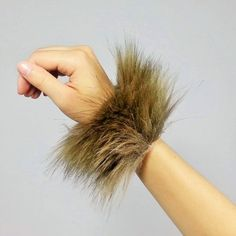 ❤One pair of super-soft fluffy wrist bands. The perfect addition to any costume! Great for Raves, Halloween, and Cosplay! ★One size fits most. Cheetah Halloween Costume, Halloween Circus, Circus Costume, Halloween Makeup, Lion Halloween, Halloween Stuff, Halloween Ideas, Animal Costumes, Cat Costumes