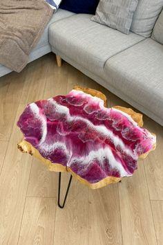 Epoxy Wood Table, Slab Table, Resin Crafts, Resin Art, Girls Bedroom, Bedroom Decor, Design Case, Wood Art, Shag Rug