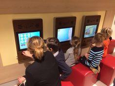 10 december 2016: In Zuyderland Geboortecentrum werd gisteren een digitale speelwand geopend. De wand is mede tot stand gekomen door een financiële donatie van de Ronde Tafel 96 Heerlen. Met ontzettend veel waardering werd de wand met iPads in gebruik genomen!