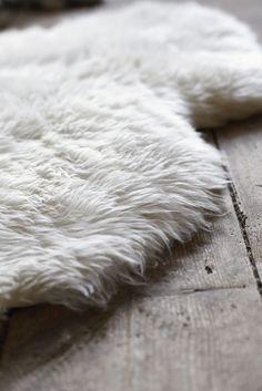 heerlijk vachtje op de vloer, voor warme voeten