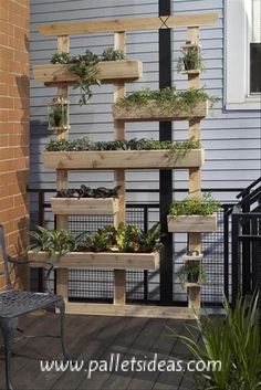 Pallet Decor with Planters