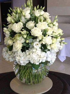 Flower Arrangements Simple, Flower Centerpieces, Flower Vases, Very Beautiful Flowers, Corporate Flowers, Anniversary Flowers, Arte Floral, Deco Table, Bridal Flowers