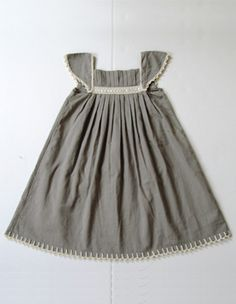 little girl party dress, I could totally make this.