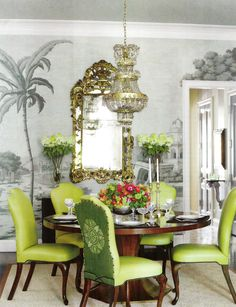 "Wallpaper, de Gournay. A Chicago family's townhouse. Interior design by Ruthie Sommers. Photography by Francesco Lagnese. ""For the Love of Chic"" produced by Victoria Jones and written by Mimi Read. Veranda (November - December 2012)."