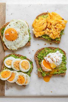 Healthy Breakfast Snacks, Quick Breakfast Ideas, Avocado Breakfast, Diet Breakfast, Breakfast Recipes With Eggs, Protein Packed Breakfast, Breakfast Toast, Breakfast Smoothies, Plats Healthy