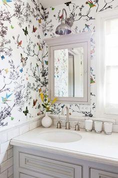 Papier peint pour salle de bains avec des oiseaux                                                                                                                                                                                 Plus