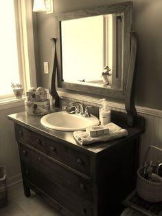 COMODAS O BUFETES COMO LAVAMANOS....DIY Hola Chicas!! Quieres re-modelar tu baño, pero quieres que se vea elegante y original, que con una cómoda o bufete que tengas en casa o una que compres en una tienda de segunda mano (aunque tenga la pintura maltratada) tendrás un maravilloso mueble agregándole un lavamanos ya sea doble o sencillo dependiendo del espacio que tengas en tu baño, como pueden ver en la galería de fotografías que les dejó, lo mejor de todo es que te costar muy poco dinero y…